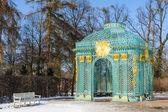 在公园的皇家宫殿无忧掷的馆 — 图库照片