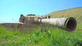 Rusty tank turret with large caliber cannon — Stock Photo