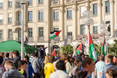 Palestinian flags over the German city — Foto de Stock
