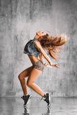 Street style dancer — Stock Photo