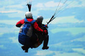 Tandem paragliding — Stock Photo