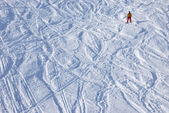 Snowboarder on the slope itself — Stock Photo
