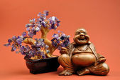 Laughing Buddha Statue with Healing Amethyst Crystal Tree — Photo