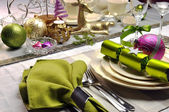 Lime Green and Pink Festive Christmas Table Setting — Foto Stock