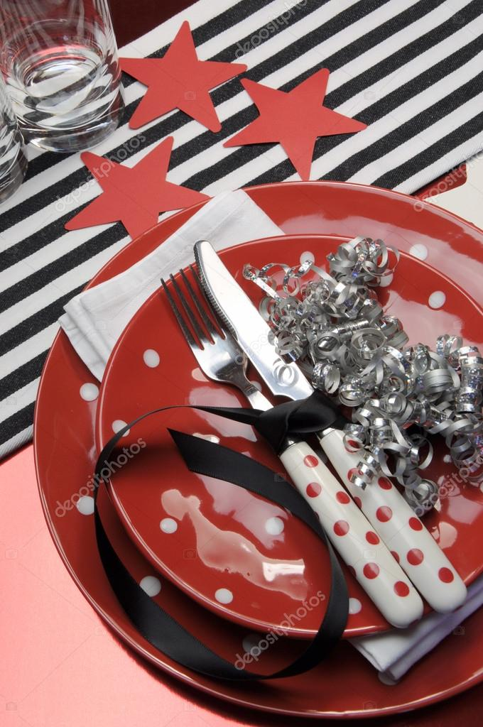 Party table settings celebration in red, black and white. — Stock Photo #18186157