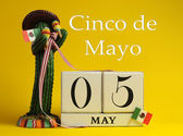 Calendar for Cinco de Mayo May 5, with fun Mexican cactus and flags — Stock Photo