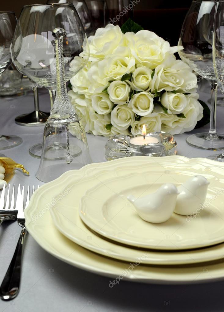 Vicino di dettaglio sull 39 impostazione di tavolo da pranzo for Piani colazione