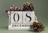 Save the date shabby chic white calendar for individual days in December — Stock Photo