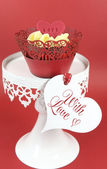 Red velvet cupcakes for Valentines Day or love theme holidays or birthdays — Foto de Stock