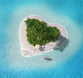 Island in the form of heart — Stock Photo