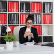 Business woman in an office — 图库照片