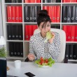 Lunch business woman — Stock Photo