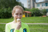 Girl and icecream — Stock Photo