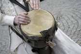 Close up of drum drummer who is part of the street theater group Close-Act, Hoogeveen, Netherlands — Stock Photo