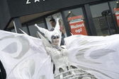 Winged lady who is part of the street theater group Close-Act, Hoogeveen, Netherlands — Stock Photo