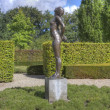 Bronze statue in garden estate Verhildersum, Netherlands — Stock Photo