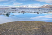 Glacial lake and mountain scenery, Iceland — Foto Stock