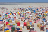 Borkum, Germany: July 29, 2014 - bathers on the beach with tents — Stock Photo