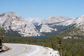 Tenaya Lake and highway 120 in Yosemite — Stock Photo