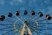 Observation wheel in amusement park — ストック写真