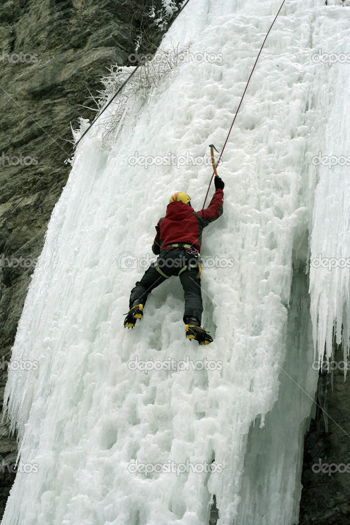 Ice climbing the North Caucasus — Stock Photo #15417087