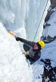 Vodopád lezení po ledopádech. — Stock fotografie