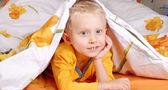 Dolce ragazzino a letto — Foto Stock