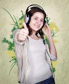Ritratto di ragazza adolescente in cuffie — Foto Stock