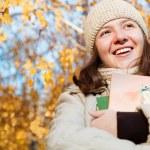 Gelukkig tiener schoolmeisje — Stockfoto