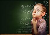 聪明的学生男孩肖像 — 图库照片