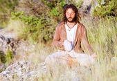 単独で仏教の祈り — ストック写真