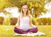Pregnant woman training relax breathing — Stock Photo