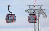 Modern cableway in ski resort Tatranska Lomnica, Slovakia — 图库照片