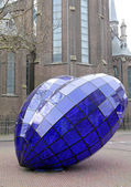 Blue heart in the centre of the city Delft, Netherlands — Stock Photo