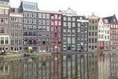 Water canal and typical architecture in Amsterdam, Netherlands — Stock Photo