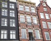 Типичная архитектура в Амстердам, Нидерланды — Стоковое фото