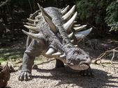 Dinozor segnosaurus gerçekçi bir model — Stok fotoğraf