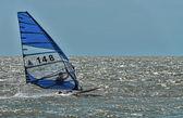 Windsurfing and kitesurfing on the Dolzhanka, Krasnodar region,  — Stock Photo