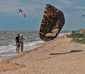 Windsurfing a kitesurfing na dolzhanka, Krasnodarská, — Stock fotografie