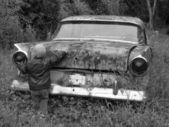 Young child with car — Stock fotografie