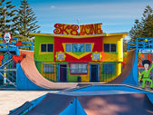 Colourful skatepark — Stock Photo
