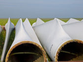 Wind turbine blades in afwachting van vergadering — Stockfoto