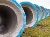 Řádek betonové konstrukce potrubí — Stock fotografie