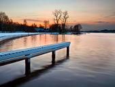 Lago al atardecer de invierno — Foto de Stock