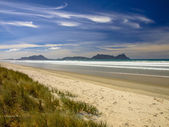 White Sand Beach With Blue Sky in New Zealand — Stock Photo