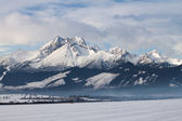 View of mountain peaks and snow in winter time, High Tatras — Stock Photo