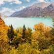 View to Lake Brienz in autumn beautiful weather, Bernese Highlands, Switzerland, HDR — Stock Photo