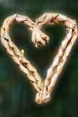 Straw heart for the Christmas tree, isolated — Foto Stock