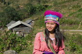 Young girl of the flower Hmong indigenous . Sapa. Vietnam — Stock Photo