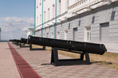 Cannons cast in the Ural factories in the Tobolsk Kremlin. Siber — Stockfoto